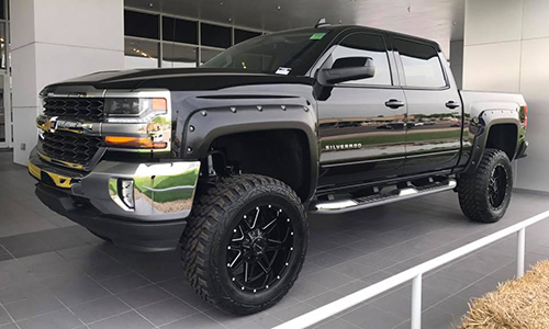 custom lifted trucks trucks for sale in buford ga rick hendrick chevrolet of buford. Black Bedroom Furniture Sets. Home Design Ideas